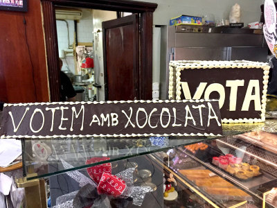 Vote for independence (and chocolate), photo by Paula Mourenza