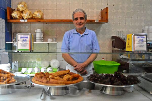 José Ruz Martínez of Churreria Layetana, photo by Paula Mourenza