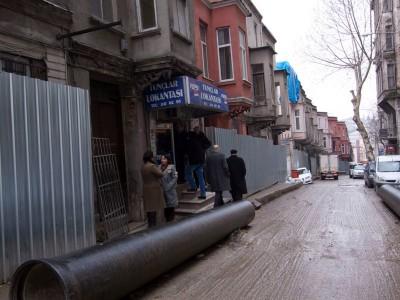 Redevelopment encroaching on now-closed Tunçlar Lokantası, photo by Elizabeth Ganley-Roper