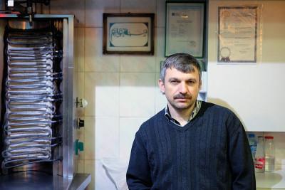 Dönerci Osman Kuri of Kormaz Büfe, photo by Paul Osterlund
