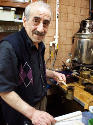Mandabatmaz's Cemil Pilik, photo by Yigal Schleifer