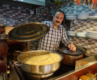 Meşhur Tarihi Kalkanoğlu Pilavcısı, photo by Ansel Mullins
