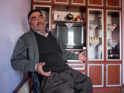 Veli Gürbüz, a shepherd in Çilesiz, photo by Yigal Schleifer