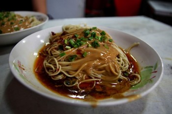 Sesame noodles at Wei Xiang Zhai, photo by UnTour Shanghai